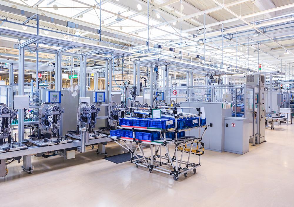 工場内の設備を自動化